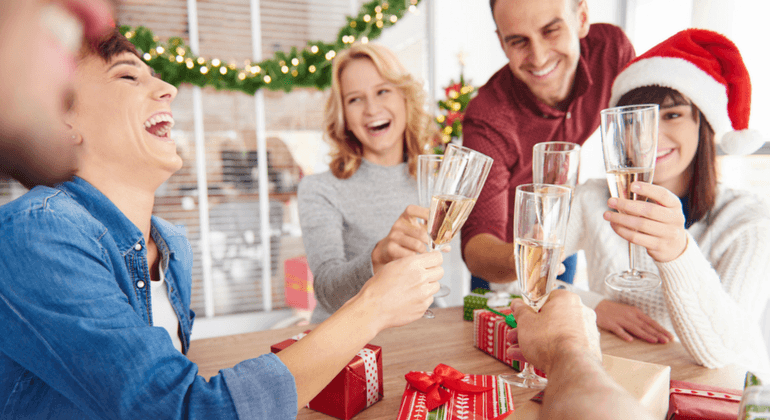 How to Set the Tone for Your Company Holiday Party [Template Included!]